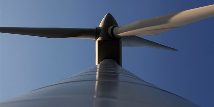 A wind turbine nacelle and blades